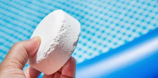 chlorine vs bromine in pools hot tubs